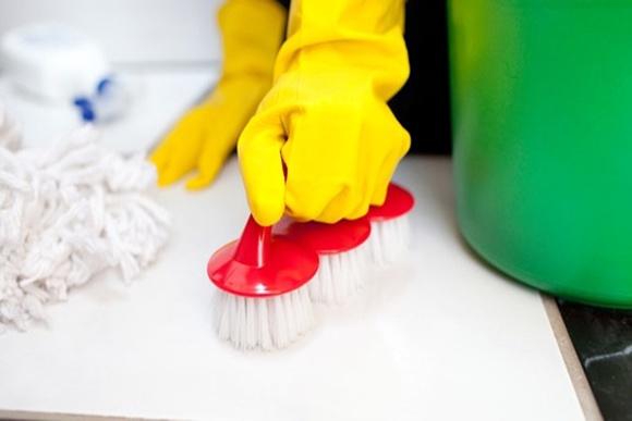 Como desencardir azulejo de banheiro