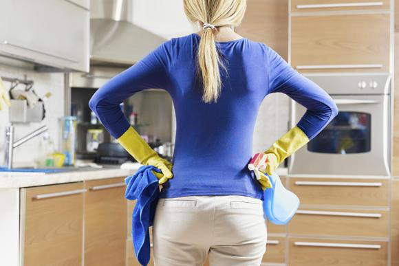 faxina na cozinha