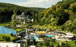 Пэрис Хилтон купит курорт в Украине
